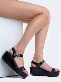 https://zooshoo.com/collections/sandals/products/flink-shoes-skimm32black
